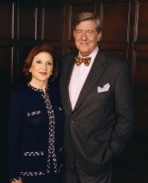 GILMORE GIRLS (Season 3) Image #GG02-0138 Pictured (left to right): Kelly Bishop as Emily Gilmore, Edward Herrmann as Richard Gilmore Photo Credit: ©The WB / Andrew Eccles