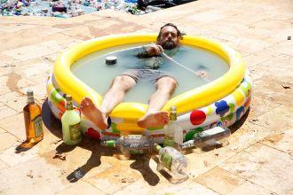 lmoe-margarita-pool_scene49_0045_hires2-0