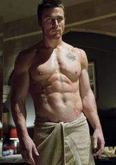 stephenamell_shirtless1