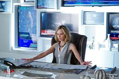 supergirl-tv-series-calista-flockhart