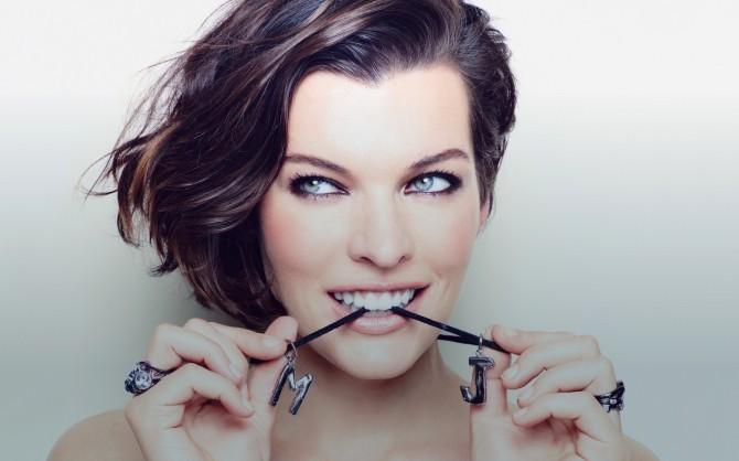 milla-jovovich-2016-desktop-wallpaper