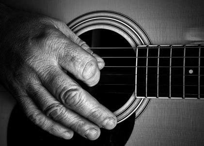 guitar hand
