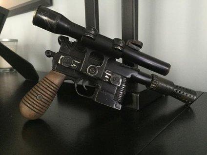 han replica blaster