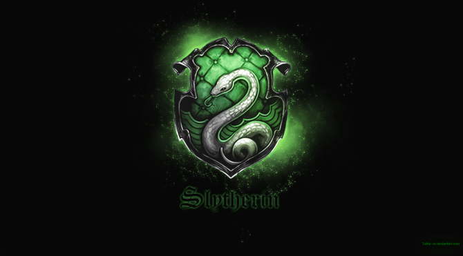 slytherin_wallpaper_hd_by_tana_jo-d7kayku